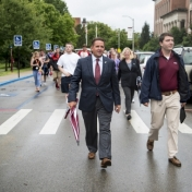 EKU President Benson leads 2016 freshmen class through the Turner Gate 9-17-16